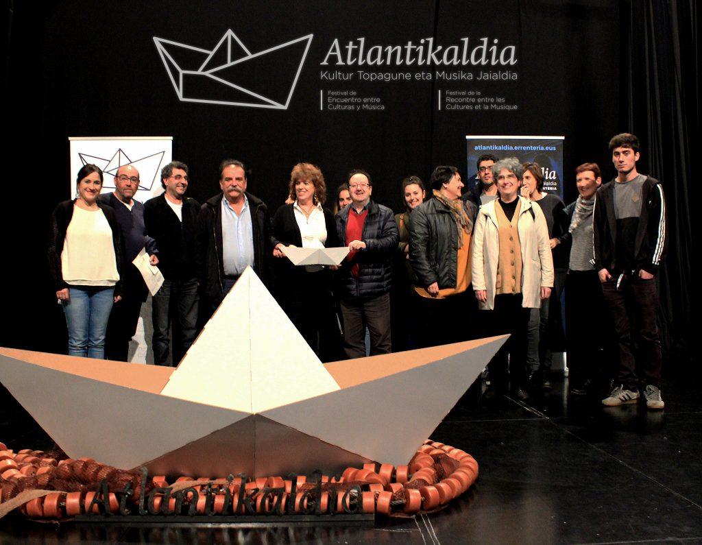 Atlantikaldia en errenteria kukai compa a de danza for Espectaculo kukai dantza